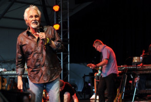 Kenny Rogers – Making Legendary an Understatement.