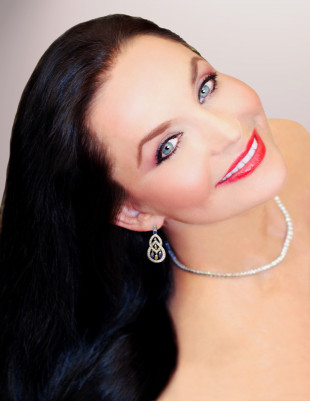 Gayle Force: A Crystal Gayle Exhibit Takes The Country Music Hall of Fame by Storm